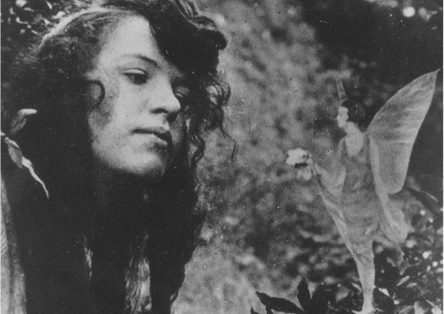コティングリー妖精写真と神智学者ガードナー